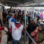 難民が押し寄せるギリシャのイドメニで活動する国境なき医師団 Image credit:La Veu del País Valencià